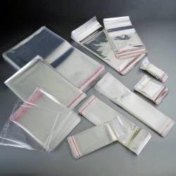 Portapenna con chiusura a clip, in plastica con filo estraibile 60cm e c/moschettone (viola) e penna (viola)