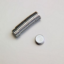 Portafoto magnetico a forma di carozzina mis. cm. 8x9.5